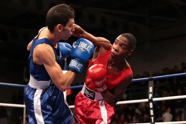 Les champions de boxe muriautins échangent avec les jeunes de la ville